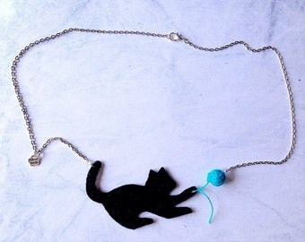 Necklace with black felt playful cat