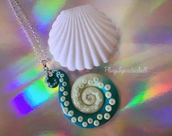 Glow in the dark tentacle necklace