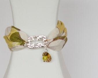 Christian bracelet, hanky bracelet, green bracelet, fabric bracelet, cross bracelet, Easter bracelet, faith bracelet, religious bracelet
