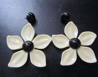 Psychedelic 60's Style Flower Power Post Dangle Earrings - Must See!