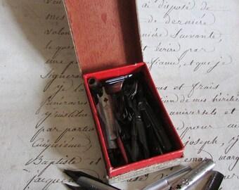 Boxed set antique Français 89 Blanzy Poure & Cie calligraphie plumes trempage stylo plumes c1900