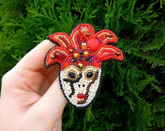 Mask Brooch Face Venice Carnival Beaded Brooch Venice Brooch Venice Masquerade Drama Mask Brooch Venetian mask brooch trending brooch