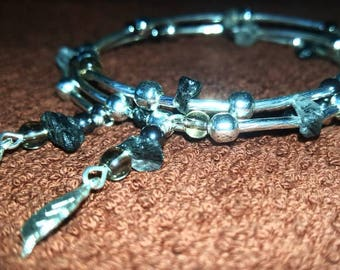 Grounding, Memory wire Bracelet