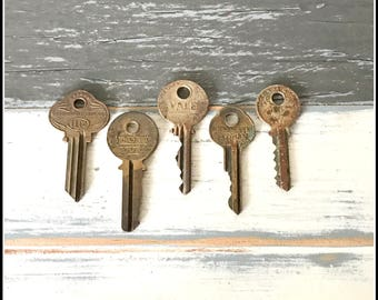 Antique Vintage Keys (5) Old Keys - Vintage Hardware Locksmith Keys - Lot 10