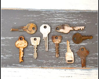 Antique Vintage Keys (9) Old Keys - Vintage Hardware Locksmith Keys - Lot 22