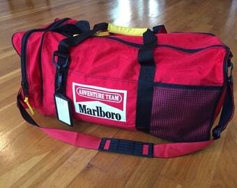 Vintage Marlboro duffle bag gym bag red cigarette satchel tote shoulder pack sports travel tobacco