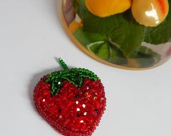 Brooch strawberries from crystal beads and Czech beads. Summer handmade jewelry.