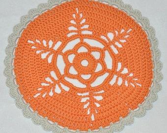 Doily crochet plates or