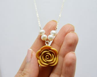 Gold Rose Centered Necklace, Gold Rose Bridesmaid Necklace, Upside Down Rose Necklace, Flower Necklaces for Women, Romantic Necklace for Her