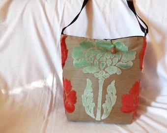 linen with velvet flower print shoulder bag
