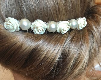 Ivory decorative comb, bead flowers, pesrs, Bridesmaid hair comb, wedding hair comb, wedding comb, flower girl hair piece,