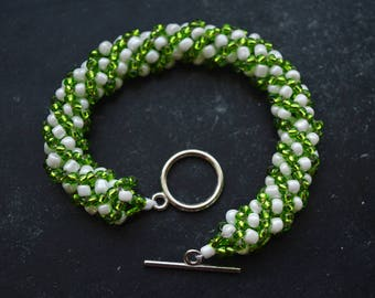 Green/White Beaded Bracelet Russian Spiral Rope Stitch 17 cm