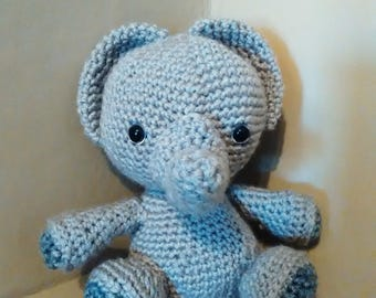 Crochet Critter Levi the Elephant. Baby shower Perfect! Elephant stuffed animal / Plushie / Amigurumi with color options!