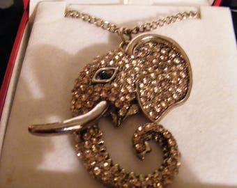 Lovely Pendant & Chain