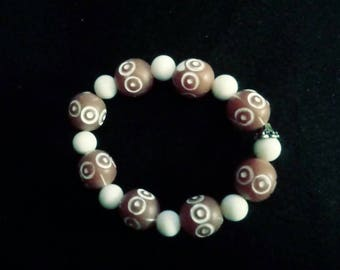 Brown and white stretch bracelet