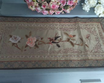 Vintage Oriental/Asian Hand Stitched Silk Embroidered Tapestry/Runner