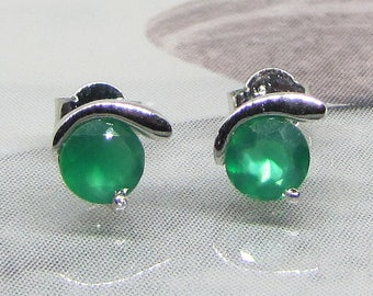 Earring studs Sterling Silver 925 green Onyx 2.5 carats