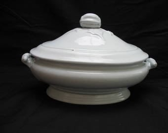 19th Century John Maddock White Ironstone Covered Casserole or Vegetable Dish