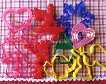 Plastic Cookie Cutters /Asst Colors