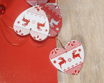 Christmas decoration: hearts Garland and beads