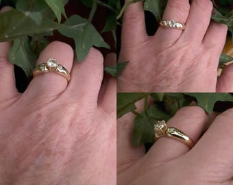 Yellow Gold solitaire ring with 18 ct - old ring gold and diamond - engagement - wedding - Present - Valentines