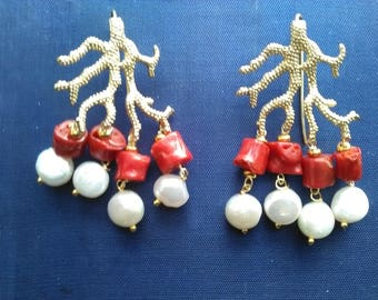 Earrings with coral and pearls
