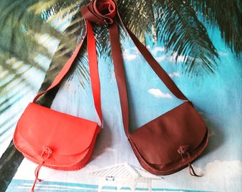 Small coral leather shoulder bag