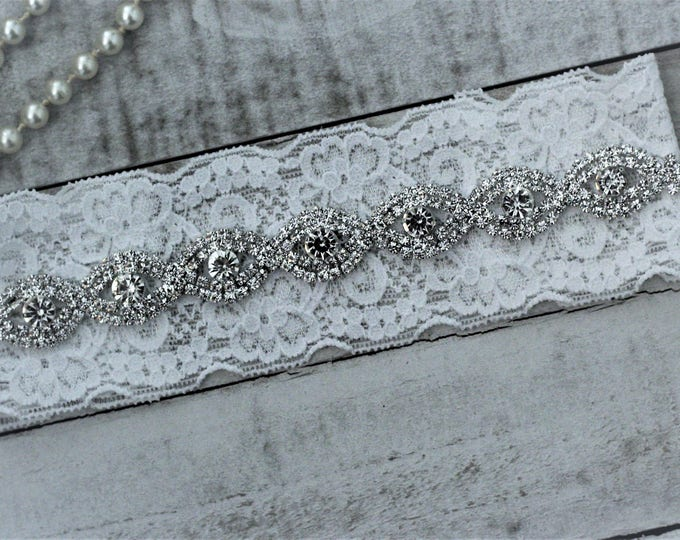 White Wedding Garter NO SLIP grip vintage rhinestones, Classy Wedding Garter