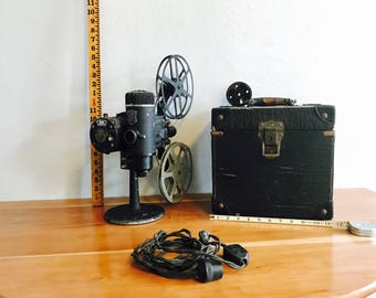 Bell & Howell Vintage Projector/Film Projector case/Vintage Film Reels