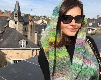 Chunky knitted infinity scarf. Hand knited multicolor snood. Chunky knitted scarf. Chunky knitted snood. Rainbow hand knitted scarf.