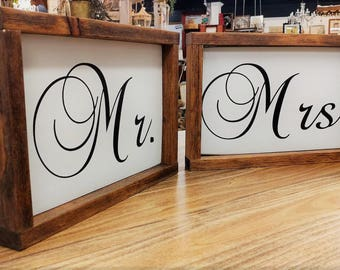 Mr and Mrs wood Sign, wedding sign, rustic wedding sign, wedding prop, country wedding, Mr and Mrs table sign, Mr and Mrs chair sign