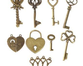 8pcs Vintage Bronze Key Skull Heart Lock Necklace Pendant Charm DIY