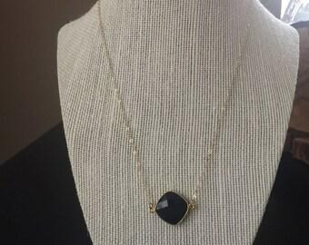 Black onyx bezel pendant necklace with 14k gold filled chain/14k gold filled chain and black onyx oendant/black onyx bezel pendant