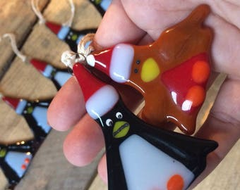 1x Cute Christmas Robin Original Fused Glass Xmas Decorations unique,gift,hanging,trinket,brown,red,santa hat,tweety bird,robin red breast