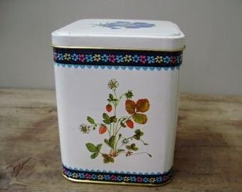 True Vintage Tin Canister,kitchen decor,tea box,jar,Home decor