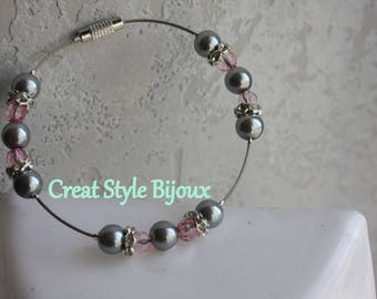 very beautiful bracelet with the melody line