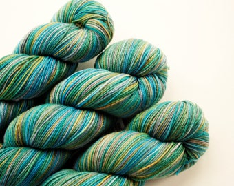 Sock Yarn,*Tranquil Bay*,Soft Merino Wool Fingering Weight Knitting Yarn Variegated Araucania Botany Lace 3005