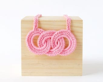 Pink Link Crochet Necklace   Fun & Bright Womens and Girls Necklace, Crafty Necklace, Link Necklace, Crochet Necklace, Yarn Jewelry