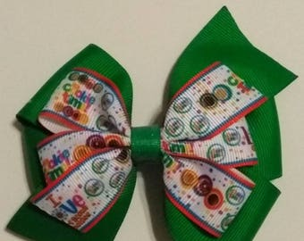 Girl Scout inspired hair bow, Girl Scout cookie hair bow, Its cookie time hair bow, Girl scouts, Brownies, Daises