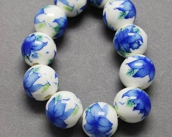 10 ceramic beads, round porcelain blue flower 1 cm