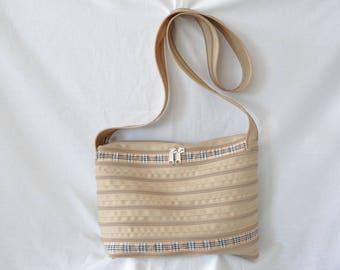 "caramel shoulder strap and bag tartan, zip through brand ""lightning"""