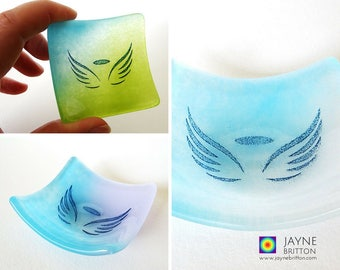 Wedding or Party pack of 24 Angel Bowl gifts, fused glass, blue theme pack, symbol of love, unusual wedding favour, party favor, mementos
