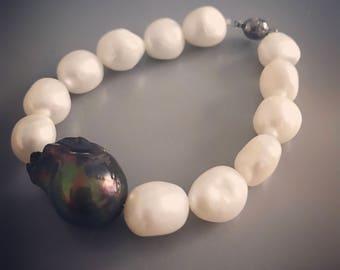 Black Baroque and Fresh Water Pearl Bracelet