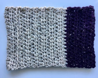 The Dent, Two tone crochet cowl, two color crochet cowl, two tone cowl scarf, crochet cowl