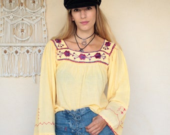Vintage 70's Embroidered Bell Sleeve Peasant Top
