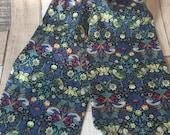 William Morris Cravat , Strawberry Thief Green , Liberty Fabric, Ascot Tie , Wedding Accessory For Men