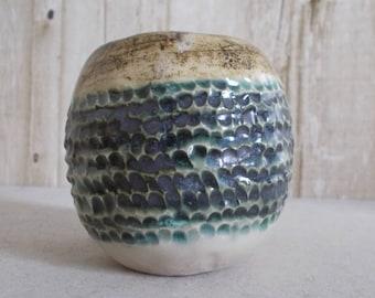 Ceramic planter in ceramic with ethnic pattern
