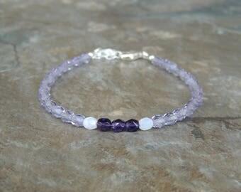 Simple Purple Bracelet for Women, Dainty Bracelet for Her, Dainty Delicate Bracelet, Light Purple Minimalist Bracelet, Everyday Bracelet