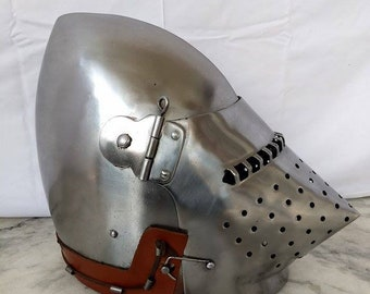Medieval Houndskull pigface bascinet helmet Armor S A fighting armor