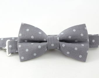 Charcoal grey bow tie with pearl polka dots; Dark gray boy bow tie, blue bow tie, classic cotton bow tie for toddlers, gray polka dot bowtie